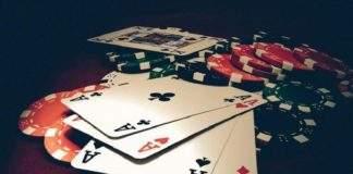 Giải mã ý nghĩa giấc mơ thấy đánh bài - Đánh số đề con gì?